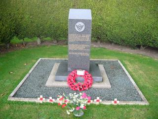 2007 Nov 11th Holton (Halesworth) Airfield Memorial to the 489th Bomb Group