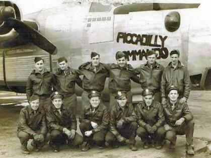 489th Schickel crew photo - We Weary Warriors